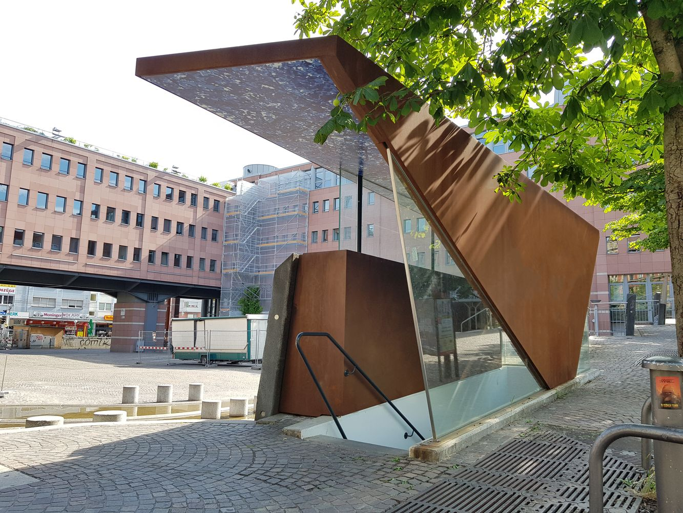 Eingang Parkhaus Karlsruhe