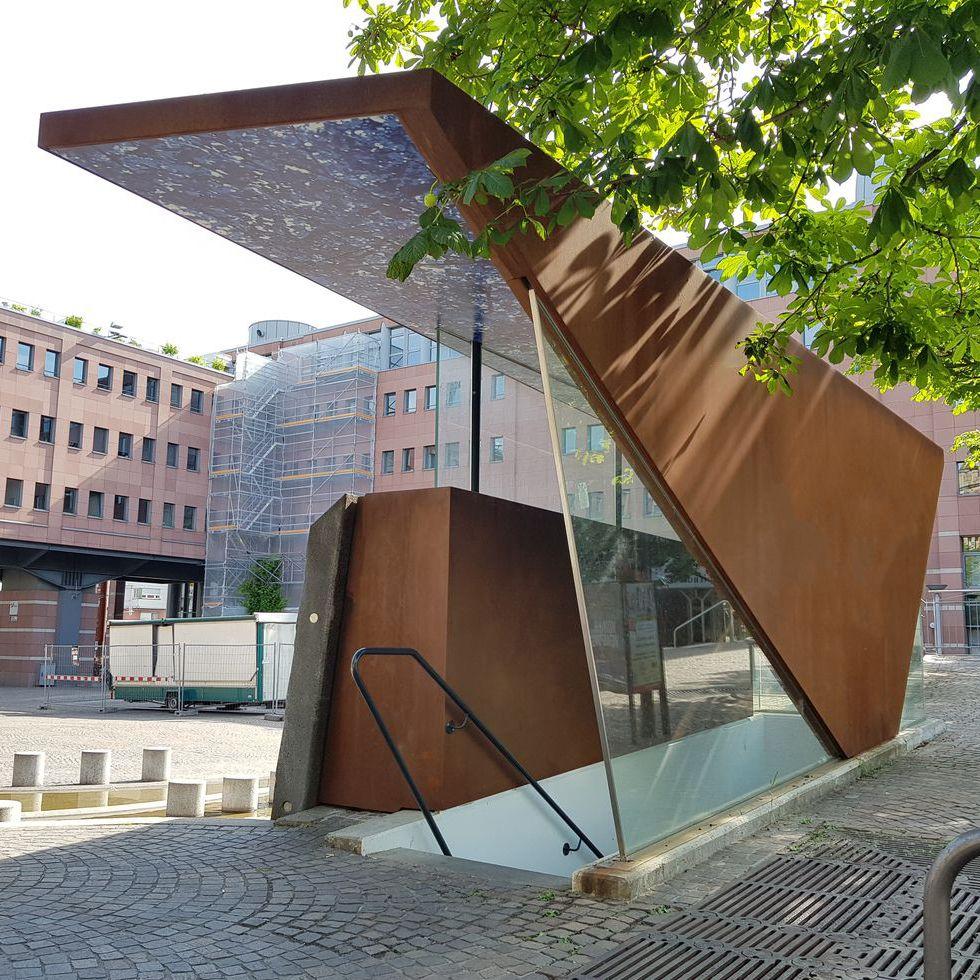 Eingangsüberdachung Parkhaus, Karlsruhe